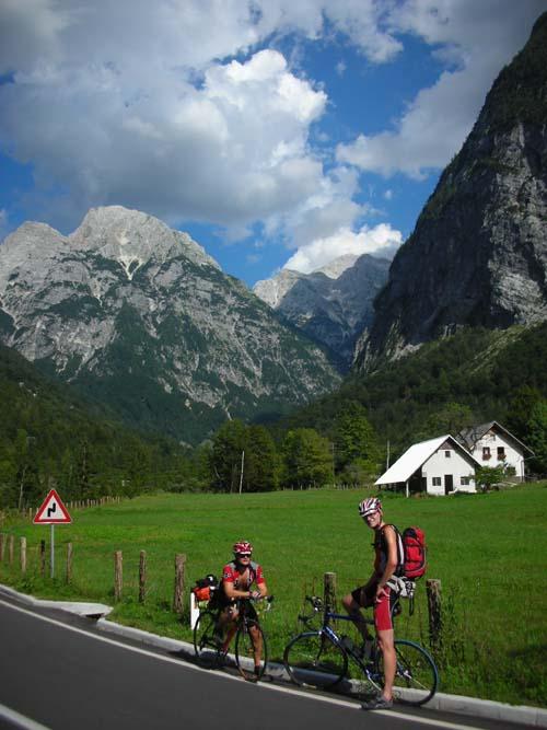 Foto: Bernhard Berger / Rad Tour / Rennradrunde durch die Karnischen- und Julischen Alpen / Trenta (Foto Christian Wührer) / 20.10.2009 20:29:27