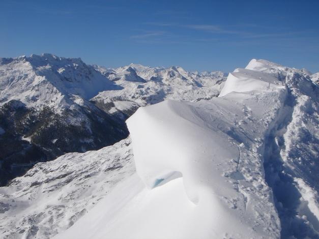 Foto: Manfred Karl / Ski Tour / Gamsleitenspitze, 2359 m / Vorsicht am schmalen Gipfelgrat bei Wechtenbildung! / 21.10.2009 21:24:43