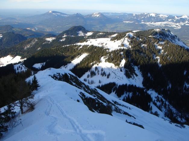 Foto: Manfred Karl / Ski Tour / Eckerleiten - Purtschellerhaus / Ausblick vom Eckerfirst nach Norden Richtung Salzburg / 25.10.2009 16:35:54