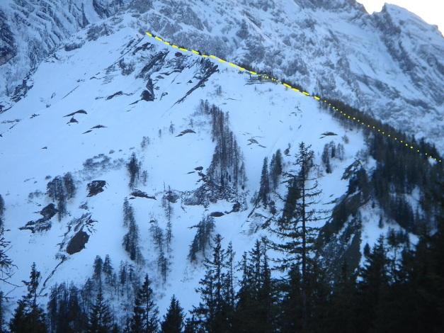 Foto: Manfred Karl / Ski Tour / Eckerleiten - Purtschellerhaus / Anstieg zum Eckerfirst von der Rossfeldstraße aus gesehen / 25.10.2009 16:34:12