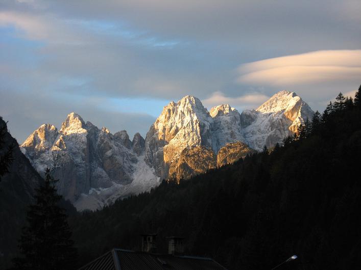 Foto: Andreas Koller / Klettersteig Tour / Leiternweg durch die Südwand auf den Montasch (2753m) / Julische Alpen bei Tarvis / 27.10.2009 22:24:37