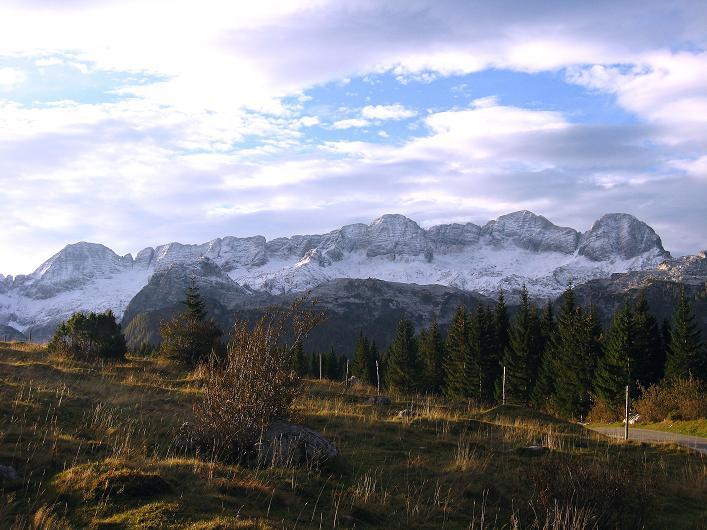 Foto: Andreas Koller / Klettersteig Tour / Leiternweg durch die Südwand auf den Montasch (2753m) / Der Kanin (2587 m) / 27.10.2009 22:23:59