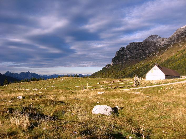 Foto: Andreas Koller / Klettersteig Tour / Leiternweg durch die Südwand auf den Montasch (2753m) / Montasch-Almen / 27.10.2009 22:23:35