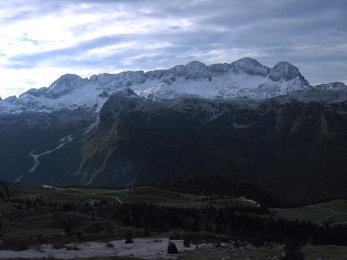 Foto: Andreas Koller / Klettersteig Tour / Leiternweg durch die Südwand auf den Montasch (2753m) / Das Kanin-Massiv (2587 m) / 27.10.2009 22:22:44