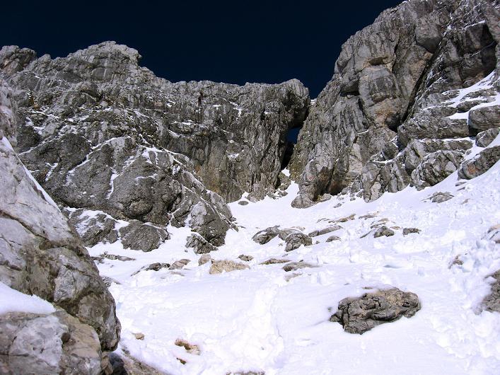 Foto: Andreas Koller / Klettersteig Tour / Leiternweg durch die Südwand auf den Montasch (2753m) / Die Südwand des Montasch / 27.10.2009 22:14:37