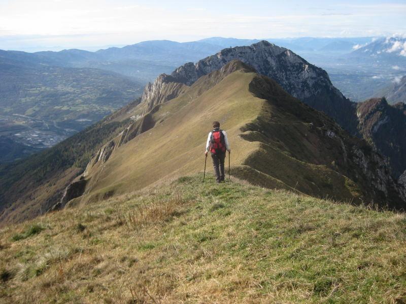 Foto: Wolfgang Lauschensky / Wander Tour / Col Mat 1981m / Westaufstieg und Ostabstieg um den Südkamm, dahinter der Monte Dolada / 30.10.2009 13:51:56