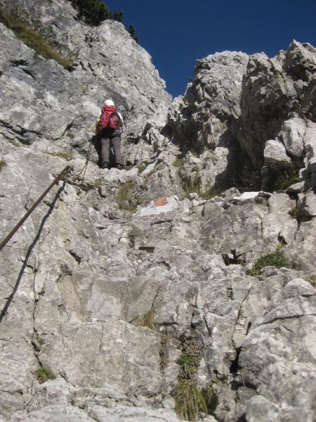 Foto: Wolfgang Lauschensky / Klettersteig Tour / Monte Schiara - Überschreitung Ferr. Sperti - Berti - Marmol / Einstieg in Ferr.Sperti / 31.10.2009 00:59:38