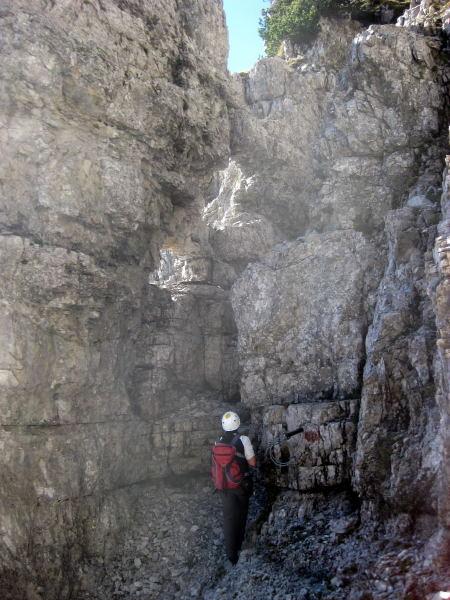 Foto: Wolfgang Lauschensky / Klettersteig Tour / Monte Schiara - Überschreitung Ferr. Sperti - Berti - Marmol / Felsfenster / 31.10.2009 00:59:27