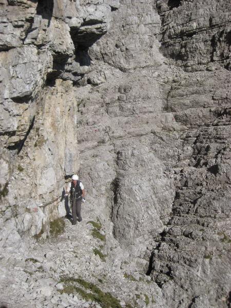 Foto: Wolfgang Lauschensky / Klettersteig Tour / Monte Schiara - Überschreitung Ferr. Sperti - Berti - Marmol / Bänderquerungen / 31.10.2009 00:59:03