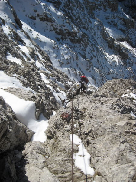 Foto: Wolfgang Lauschensky / Klettersteig Tour / Monte Schiara - Überschreitung Ferr. Sperti - Berti - Marmol / auch viel ungesicherte gefährliche Schneekletterei an der Nordflanke / 31.10.2009 00:58:05