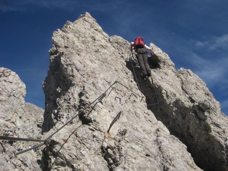 Foto: Wolfgang Lauschensky / Klettersteig Tour / Monte Schiara - Überschreitung Ferr. Sperti - Berti - Marmol / luftige Gratzacken / 31.10.2009 00:57:13