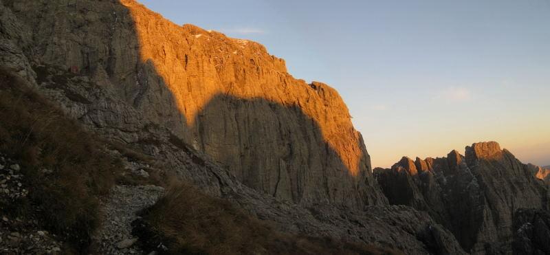 Foto: Wolfgang Lauschensky / Klettersteig Tour / Monte Schiara - Überschreitung Ferr. Sperti - Berti - Marmol / Abend unterm Bivaccio Marmol / 31.10.2009 00:55:59