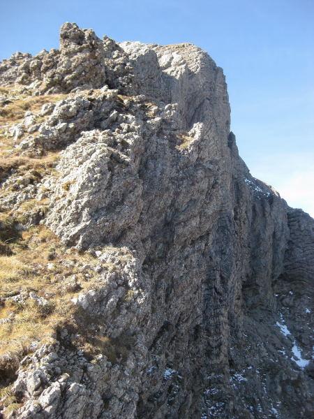 Foto: Wolfgang Lauschensky / Wander Tour / Monte Pelf 2502m / entlang der Nordabfälle wird gewandert / 31.10.2009 14:16:55