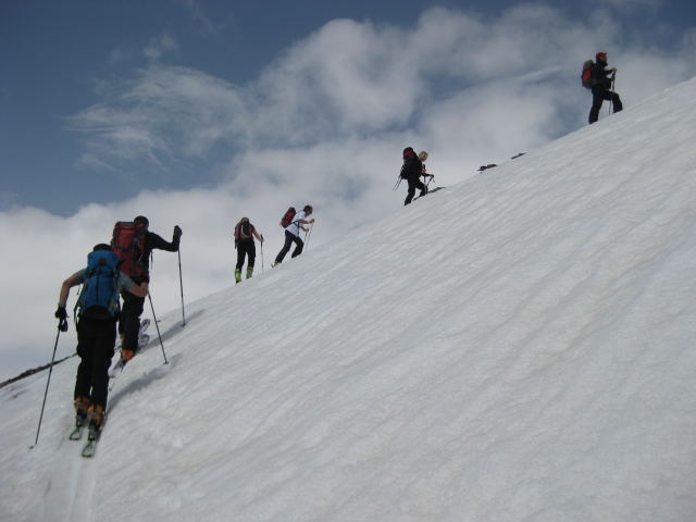Foto: Wolfgang Lauschensky / Ski Tour / Cheget 3462m / gemütliches Gelände / 01.11.2009 12:11:37