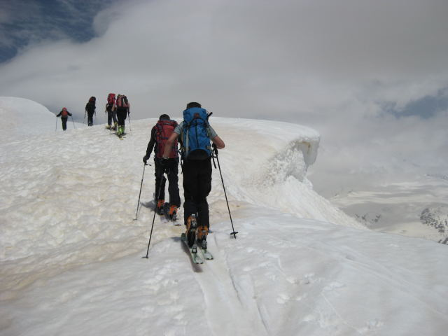 Foto: Wolfgang Lauschensky / Ski Tour / Cheget 3462m / am Ostgrat / 01.11.2009 12:11:25