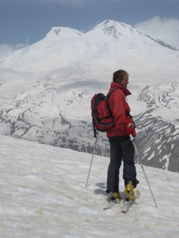 Foto: Wolfgang Lauschensky / Ski Tour / Cheget 3462m / Blick in die nächsten Tage - Elbrus / 01.11.2009 12:10:49