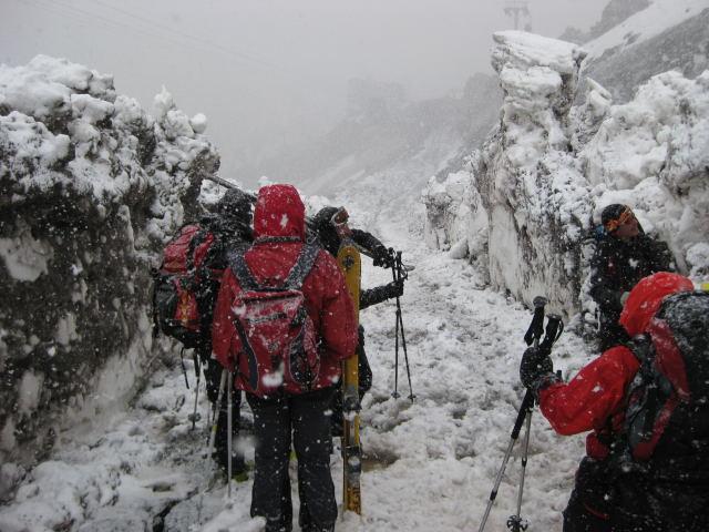 Foto: Wolfgang Lauschensky / Ski Tour / Elbrus 5642m  Winterbesteigung / Vorfreude auf den Gipfeltag / 01.11.2009 14:37:22