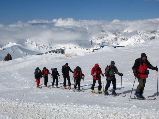 Foto: Wolfgang Lauschensky / Ski Tour / Elbrus 5642m  Winterbesteigung / über der Dieselhütte / 01.11.2009 14:36:32