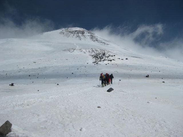 Foto: Wolfgang Lauschensky / Ski Tour / Elbrus 5642m  Winterbesteigung / Blankeis über den Pastuchov-Felsen / 01.11.2009 14:35:37