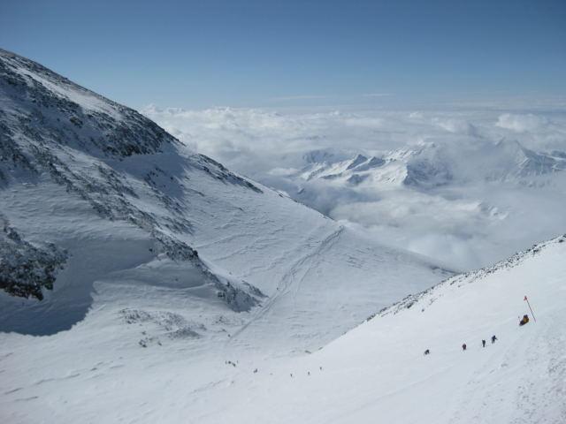 Foto: Wolfgang Lauschensky / Ski Tour / Elbrus 5642m  Winterbesteigung / im Steilhang über dem Sedlovinasattel / 01.11.2009 14:33:13