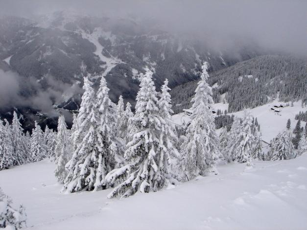 Foto: Manfred Karl / Ski Tour / Von Zauchensee auf den Roßkopf / Blick ins Flachautal / 03.11.2009 20:02:51