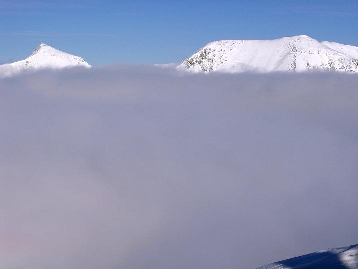 Foto: Andreas Koller / Ski Tour / Durchs Plattenkar auf die Plattenspitze (2294 m) / Steirische und Lungauer Kalkspitze (2459m und 2471m) / 08.11.2009 19:59:08
