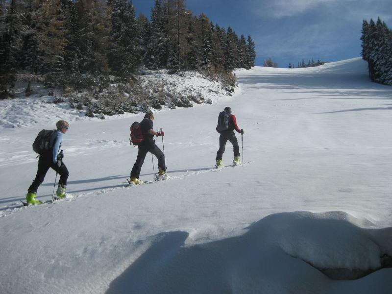 Foto: Wolfgang Lauschensky / Ski Tour / Hakopf über Schlaningsattel / einfaches Pistengelände / 08.11.2009 20:53:08