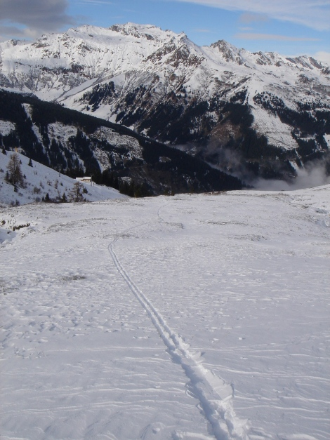 Foto: Manfred Karl / Ski Tour / Stubnerkogel / Noch liegt reichlich wenig Schnee am Stubnerkogel / 09.11.2009 20:41:29