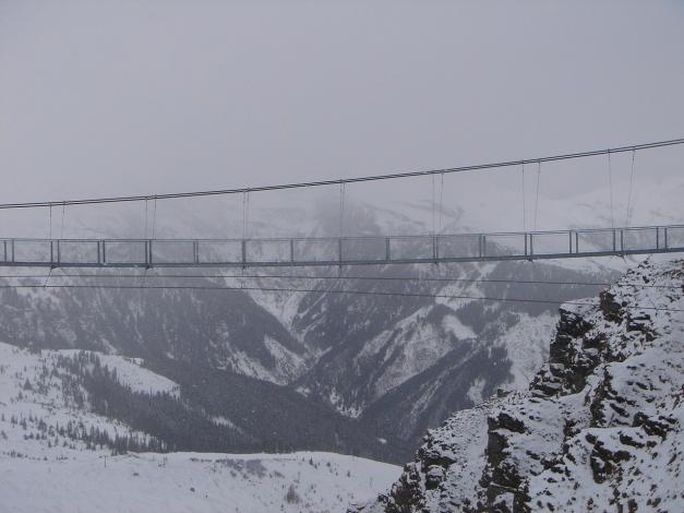 Foto: Manfred Karl / Ski Tour / Stubnerkogel / Einige Impressionen von der Hängebrücke am Stubnerkogel - leider hat sich das Wetter inzwischen verschlechtert / 09.11.2009 20:39:15