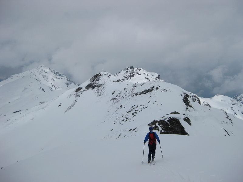 Foto: Wolfgang Lauschensky / Skitour / Kleiner Gilfert von Hochfügen / am Gratrücken geht es nördlich zum Kleinen Gilfert (links des Zieles der (Gr.) Gilfert, knapp recht der Pfaffenbichl / 10.11.2009 15:20:31