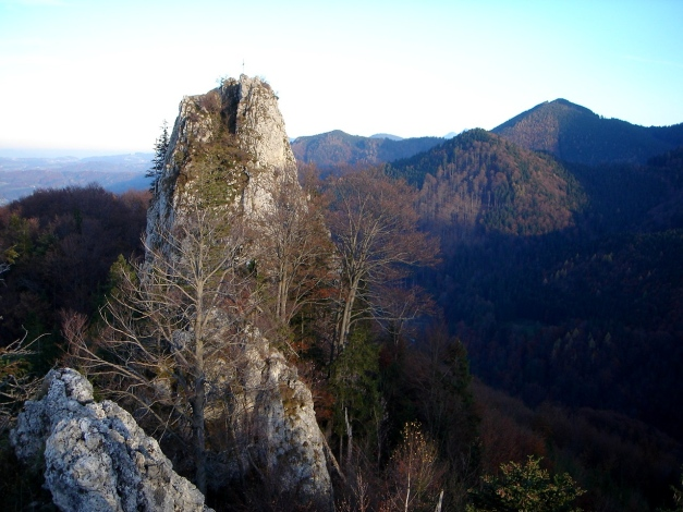 Foto: Manfred Karl / Kletter Tour / Engelstein / Engelstein von Westen / 15.11.2009 19:50:26