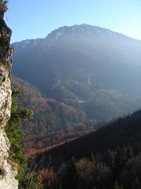 Foto: Manfred Karl / Kletter Tour / Engelstein / Am westseitigen Wandfuß des Engelsteines / 15.11.2009 19:49:40