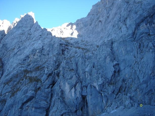 Foto: Manfred Karl / Kletter Tour / Kraxngrat / Gelber Kreis = Einstieg / 17.11.2009 20:11:15