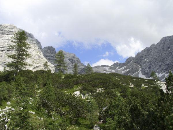 Foto: Datzi / Wander Tour / Bergtour auf die Hocheisspitze (Biwak) / Der Anstieg zur Hocheisspitze nach dem Wald / 21.11.2009 18:36:44