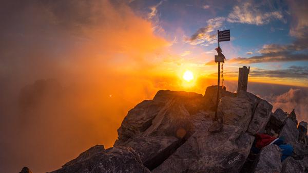 Foto: Datzi / Wander Tour / Mytikas 2917m, Olymp / Sonnenaufgang am Mytikas mit Biwak / 08.07.2017 08:01:23