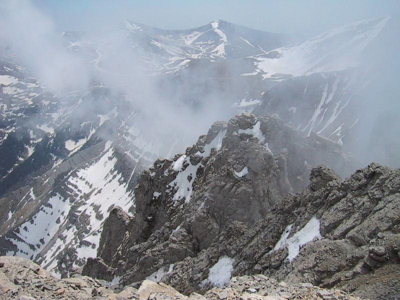 Foto: Wolfgang Lauschensky / Wander Tour / Mytikas 2917m, Olymp / Maiverhältnisse: die Schneefelder sind nicht unproblematisch / 24.11.2009 18:22:09
