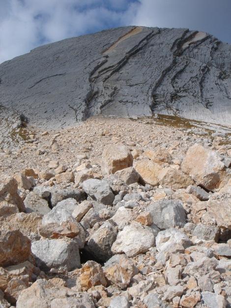 Foto: Manfred Karl / Kletter Tour / Seekofel Südwand, Via Classica / Bergsturz jüngerer Zeit - vom Hüttenweg aus fotografiert! / 26.11.2009 20:34:23
