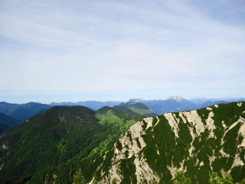 Foto: Günter Siegl / Wander Tour / Plessenberg - Heuberg - Kienberg / Blick zu Köglhörndl, im Hintergrund Wilder Kaiser / 09.06.2017 20:01:24