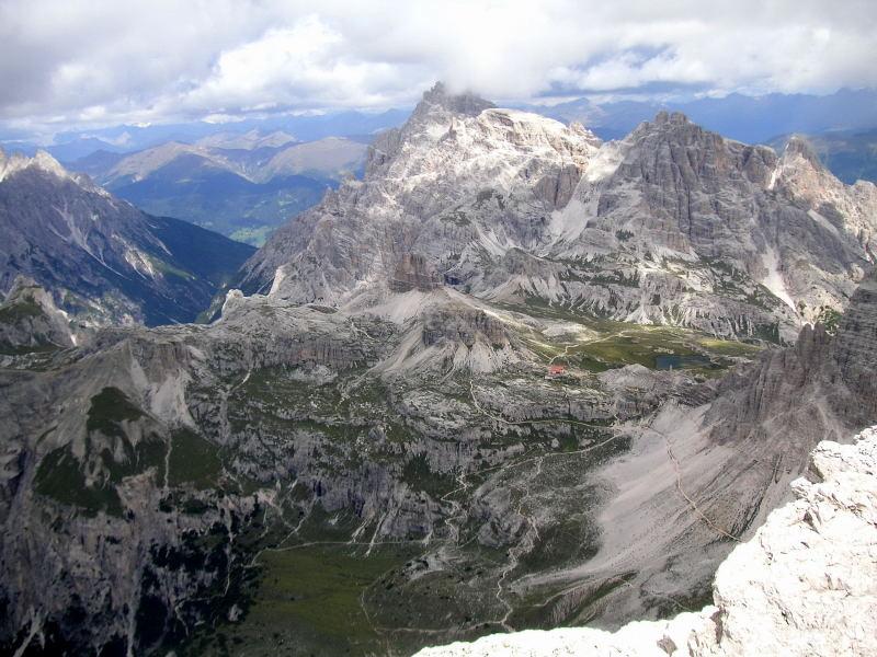 Foto: Wolfgang Lauschensky / Kletter Tour / Große Zinne Südwand - Normalweg / Nordblick zu Dreizinnenhütte, Toblinger Knoten und Dreischusterspitze / 30.11.2009 14:26:00
