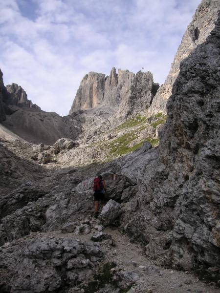 Foto: Wolfgang Lauschensky / Klettersteig Tour / Via ferrata Merlone auf die Cadinspitze NE / 'Hüttenkar' / 02.12.2009 19:26:26