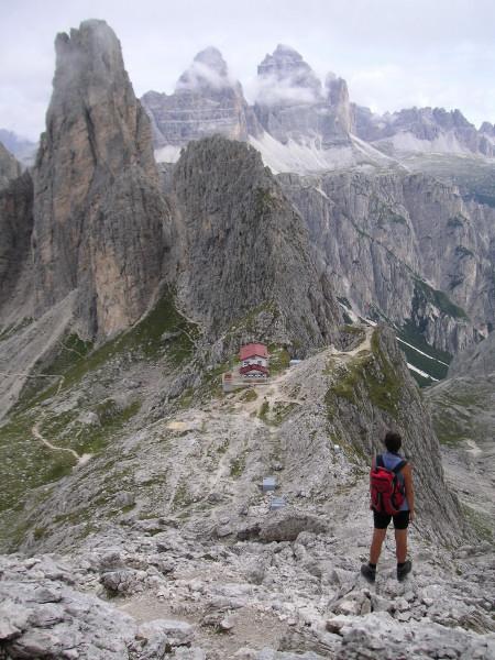 Foto: Wolfgang Lauschensky / Klettersteig Tour / Via ferrata Merlone auf die Cadinspitze NE / Rif. Fonda Savio vor Torre Wundt und Drei Zinnen / 02.12.2009 19:25:45