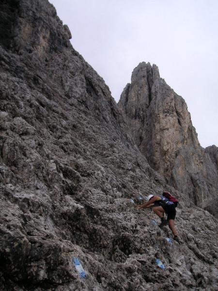 Foto: Wolfgang Lauschensky / Klettersteig Tour / Via ferrata Merlone auf die Cadinspitze NE / Einstieg in die Ferrata Merlone / 02.12.2009 19:24:07