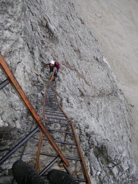 Foto: Wolfgang Lauschensky / Klettersteig Tour / Via ferrata Merlone auf die Cadinspitze NE / Höllenabstieg / 02.12.2009 19:20:58