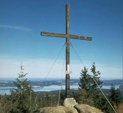 Foto: Ferienregion Böhmerwald / Wander Tour / Bärnsteinrunde / Gipfelkreuz Bärnstein / 09.12.2009 10:16:46