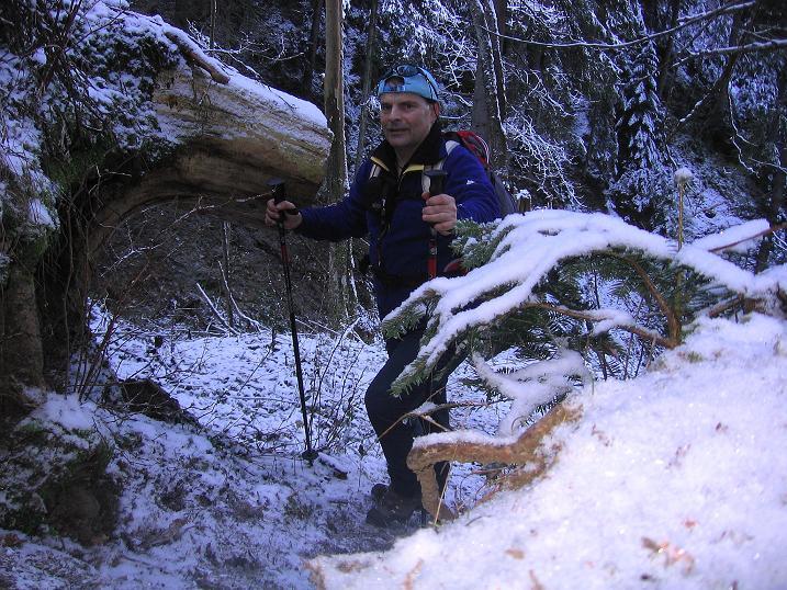 Foto: Andreas Koller / Wander Tour / Aus der Zidritz auf die Kahlwandspitze (2090 m) / 06.12.2009 23:04:35