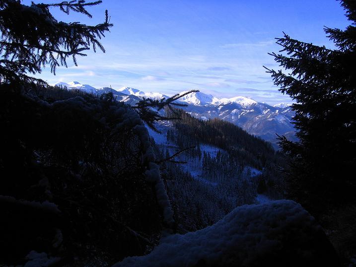 Foto: Andreas Koller / Wander Tour / Aus der Zidritz auf die Kahlwandspitze (2090 m) / 06.12.2009 23:04:17