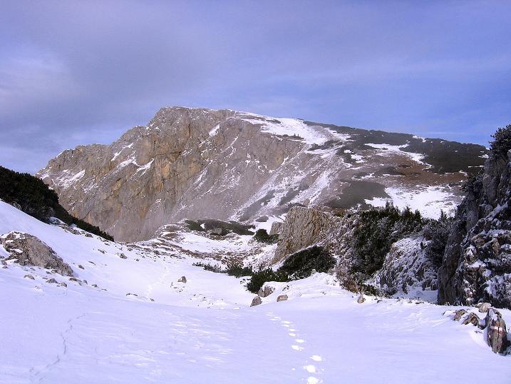 Foto: Andreas Koller / Wander Tour / Aus der Zidritz auf die Kahlwandspitze (2090 m) / Die Kahlwandspitze / 06.12.2009 22:56:00