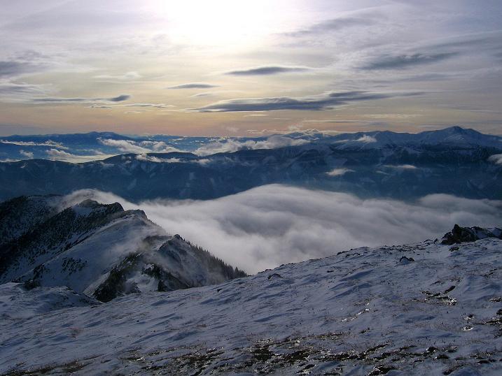 Foto: Andreas Koller / Wander Tour / Aus der Zidritz auf die Kahlwandspitze (2090 m) / Blick nach SW in die Niederen Tauern / 06.12.2009 22:55:22