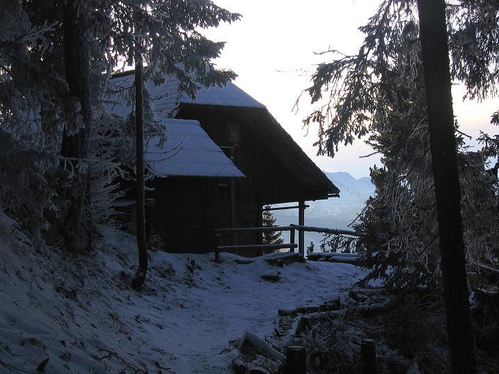 Foto: Andreas Koller / Wander Tour / Aus der Zidritz auf die Kahlwandspitze (2090 m) / Zurück beim Jagdhaus Kaiseralm / 06.12.2009 22:52:31