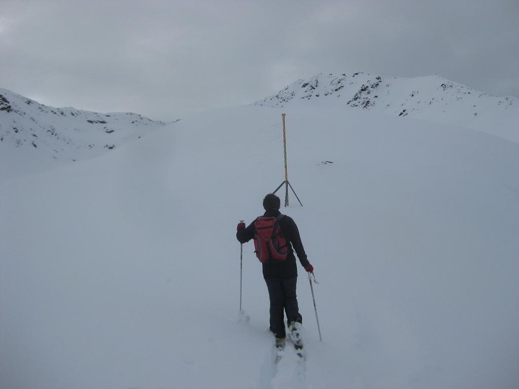 Foto: Wolfgang Lauschensky / Ski Tour / Finstertaler Schartenkopf 2856m / an der Meßstange vor der Finstertalerscharte / 10.12.2009 21:01:05